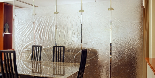 Decorative Glass dining room partition