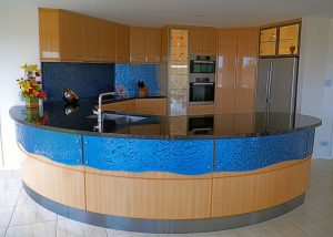 glass splashback, glass counter