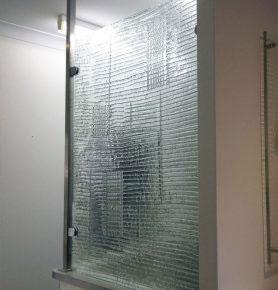 slumped glass privacy screen
